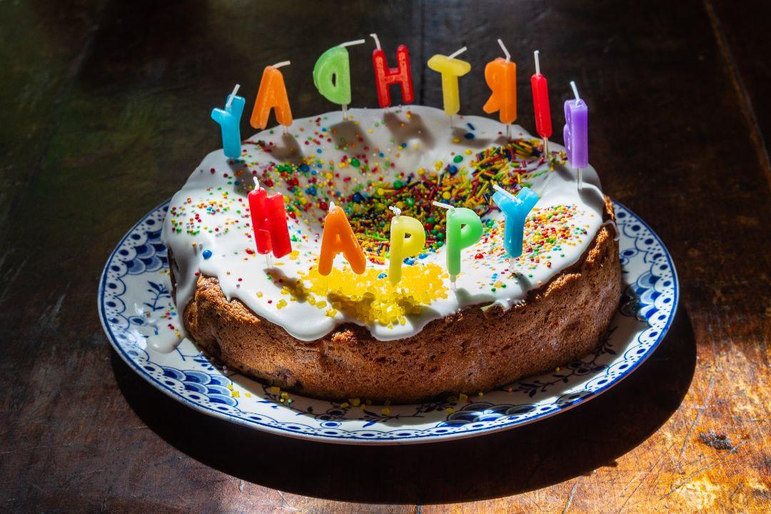 ケーキのサプライズに感動!