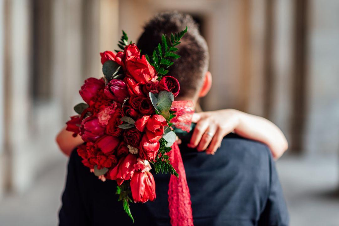 花束を渡してくれた